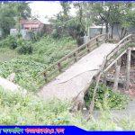 গোপালপুর পৌরসভার অপরিকল্পিতভাবে নির্মিত সেতুটি ভেঙে পড়েছে